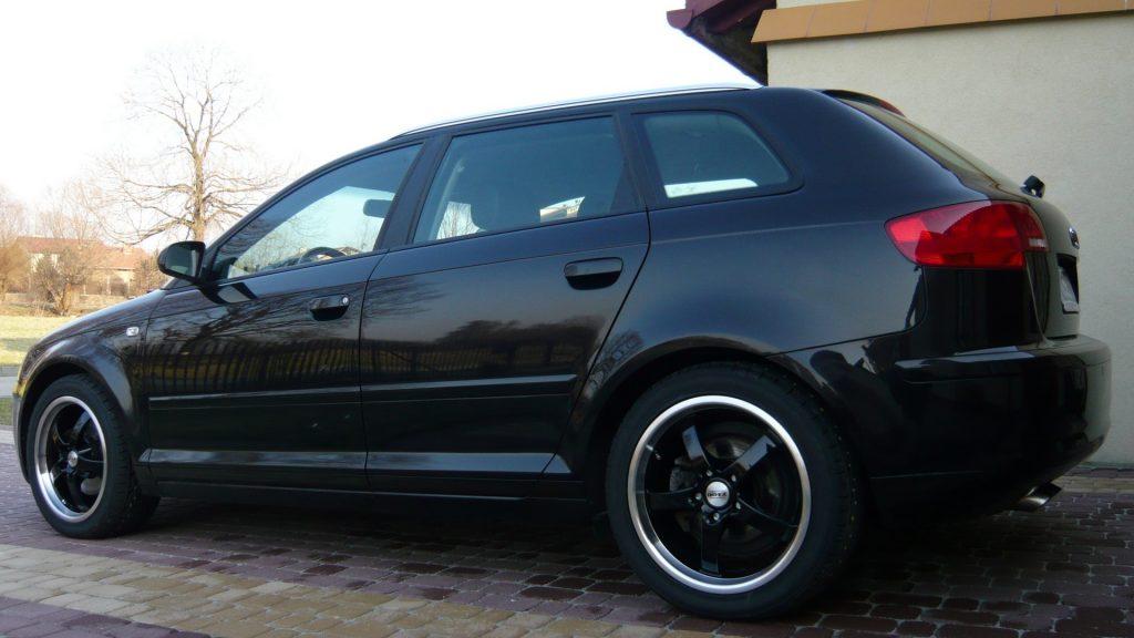 Audi-A3-quattro-01
