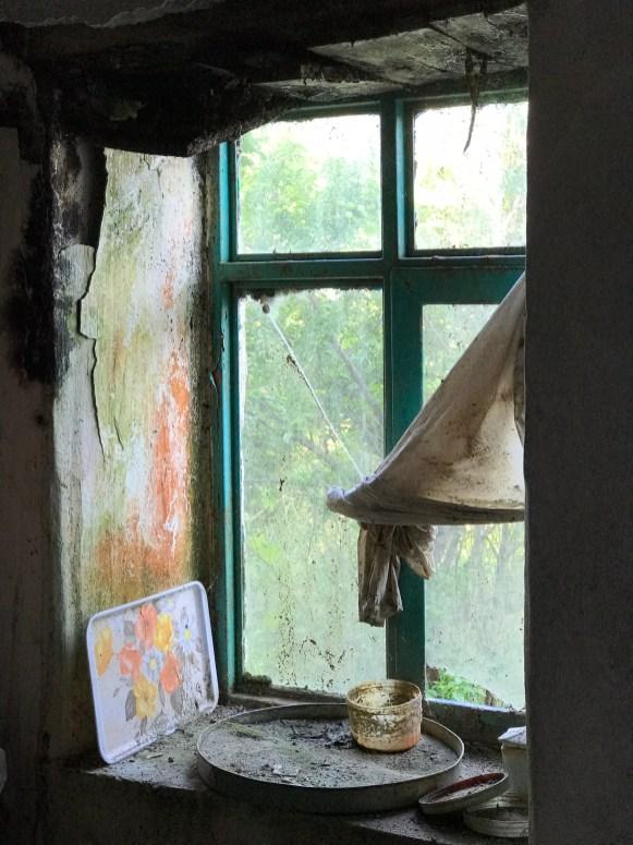 Yıkıntı Pencere
