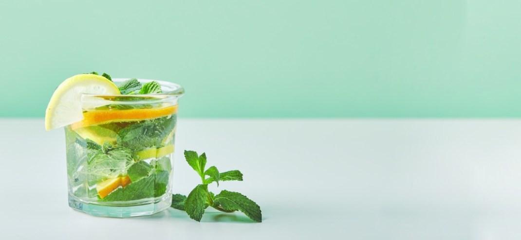 bitkisel-detoks-limonlu-su