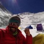 なすび4度目の挑戦でエベレスト登頂!