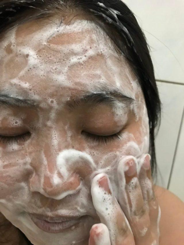 Neutrogena露得清深層淨化洗面乳-全新升級版-第1支黃金保濕比例首發,洗出全新水潤感,絲毫不乾澀的好用洗面乳 保養品分享 健康養身 民生資訊分享