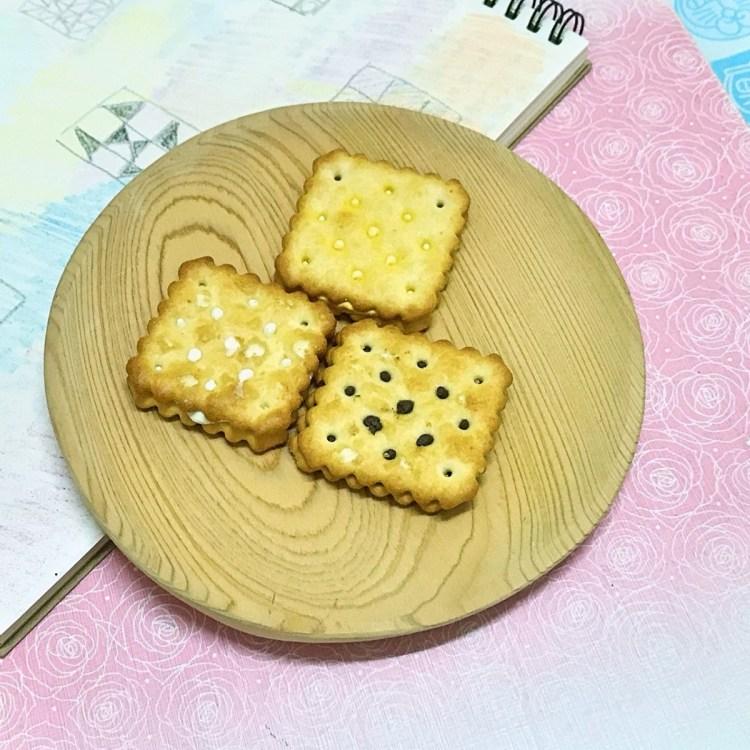 Julie's 茱蒂絲-雷蒙德檸檬味夾心餅、雷蒙德乳酪夾心餅、雷蒙德巧克力榛果夾心餅,連大人都難以抗拒的美味點心,難怪是從1981年就暢銷至今的馬來西亞國民餅乾 宅配食記 攝影 民生資訊分享 美式料理 飲食集錦