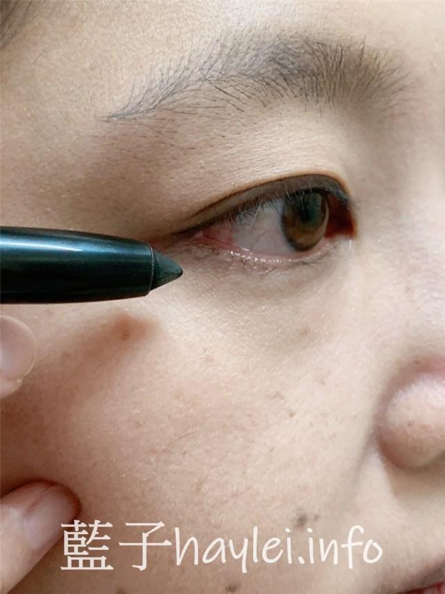 MAKE UP FOR EVER彩妝實測/AQUA系列/24H防水眼影筆(#1霧光黑、#12卡其金)-親膚性強且高耐久度的專櫃眼妝產品,質地滑順好上色,用起來溫和不刺激,夏季彩妝想防水抗汗,非它莫屬!美容彩妝/專櫃眼影分享/眼影筆評測/專櫃彩妝推薦/藍子愛美麗 彩妝品 彩妝品分享 攝影 民生資訊分享