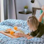 The Perfect College Cleaning Schedule | Surviving College Tips | hayle santella | www.haylesantella.com