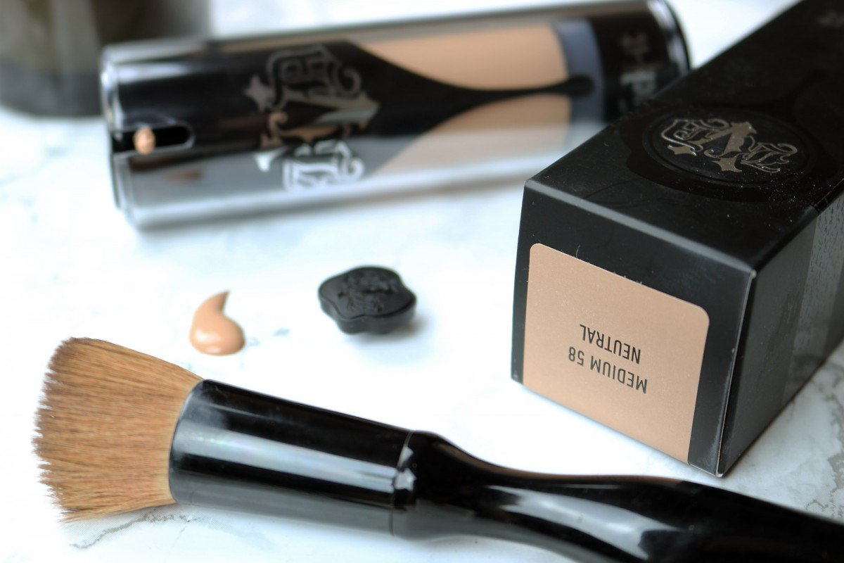 Kat Von D Lock-It Foundation Review | hayle santella | www.haylesantella.com