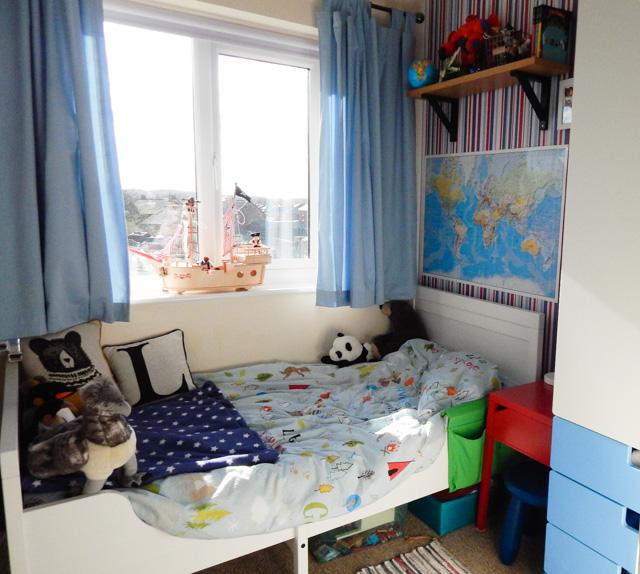 Little Adventurer Boy's Bedroom (8 of 13)