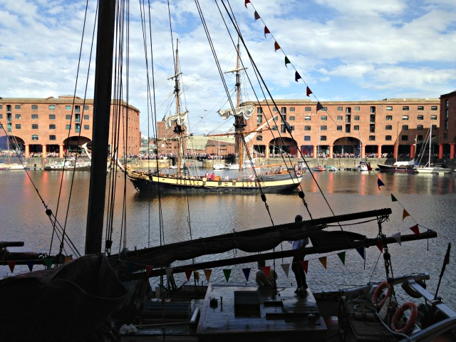 pirate-albert-dock-16-9