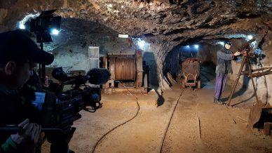 Farok-hegyi kristálybarlang