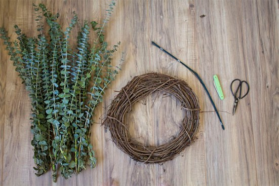 DIY Eucalyptus Wreath