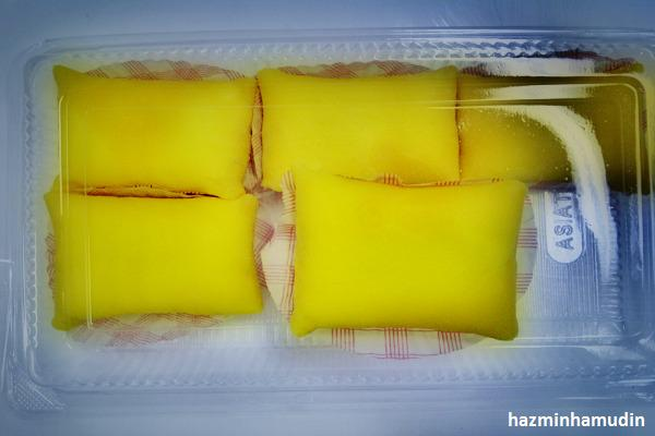 Durian Crepe 1