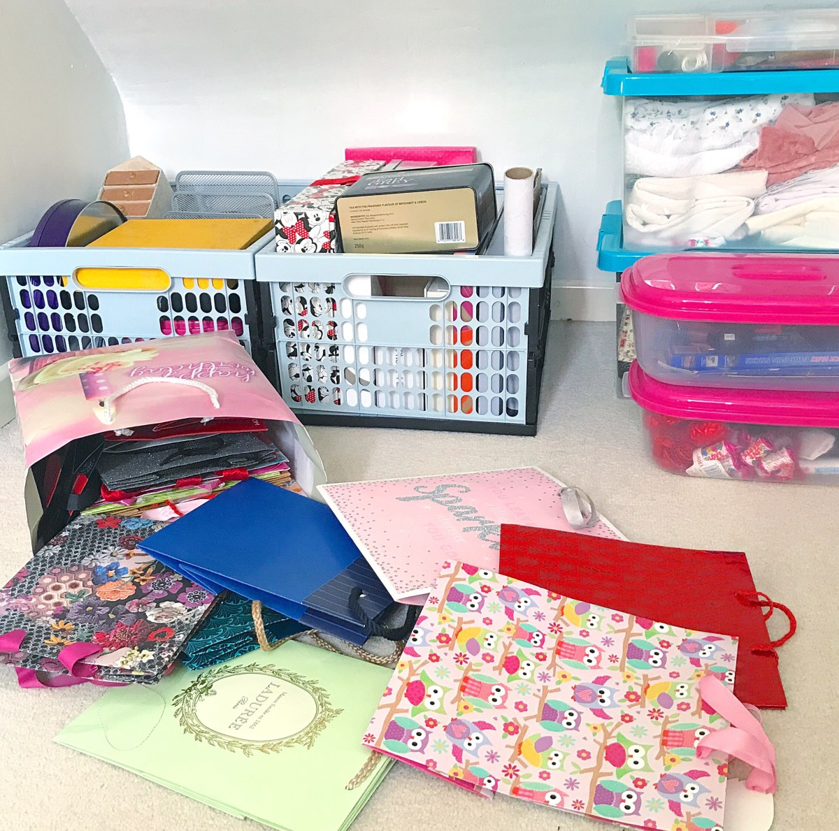 Collapsible crates, plastic fabric boxes and gift bags