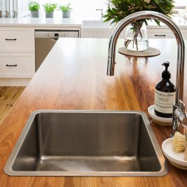 Hamptons Style Kitchen Countertop | Helen Baumann Design