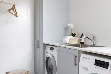 Contemporary Laundry Design | Helen Baumann Design