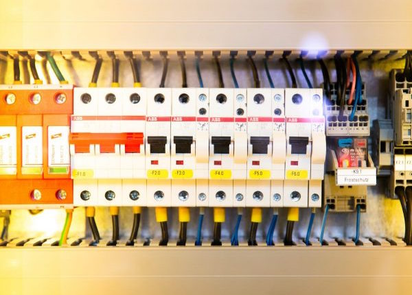 hb gas and electric - consumer units and distribution boards