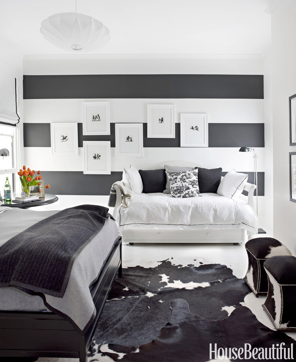 black and white house decorating ideas