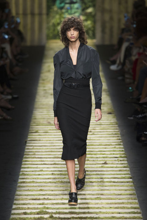 To wit, sporty jackets, leggings and pencil skirts walked out in either bright, jungle green palm frond prints or cool, minimalist all-black. In both cases, the precision tailoring was in focus.