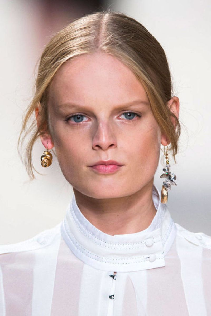 Where the ear cuff and one-sided earring trend left off, a new askew styling is taking its place. Mismatched studs and drops are the modern choice to adorn your lobes.<br /><br /><br /> (Pictured: Nina Ricci)<br /><br /><br />
