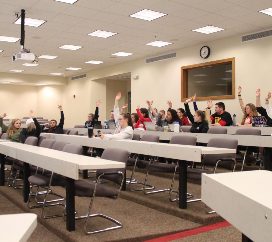 Members of the Student Association Senate vote on the budget during the March 25th meeting.