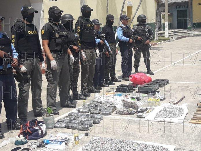 """Paquetes de """"moña"""", cocaína, licor y dinero en efectivo decomisan en presidio de #Copán"""