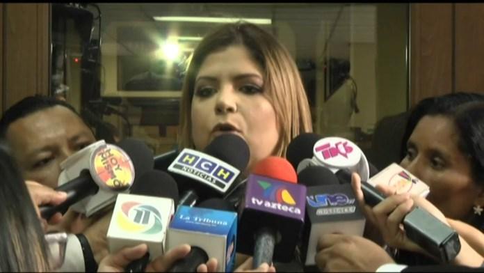 Agradezco la valentía de Juan Barahona por reconocer su error : Lena Gutierrez