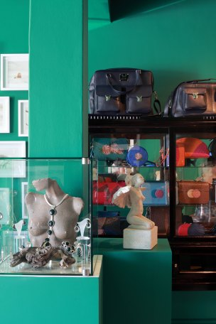 opulent-living-concept-store-and-gallery-midres-9