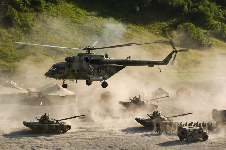 HDWallpapersBigArmyUS Army Tank and Helicopter HD Photo