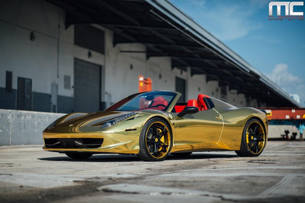 Super Car Wallpaper Retina Display Black And Gold Ferrari 15 Widescreen Wallpaper