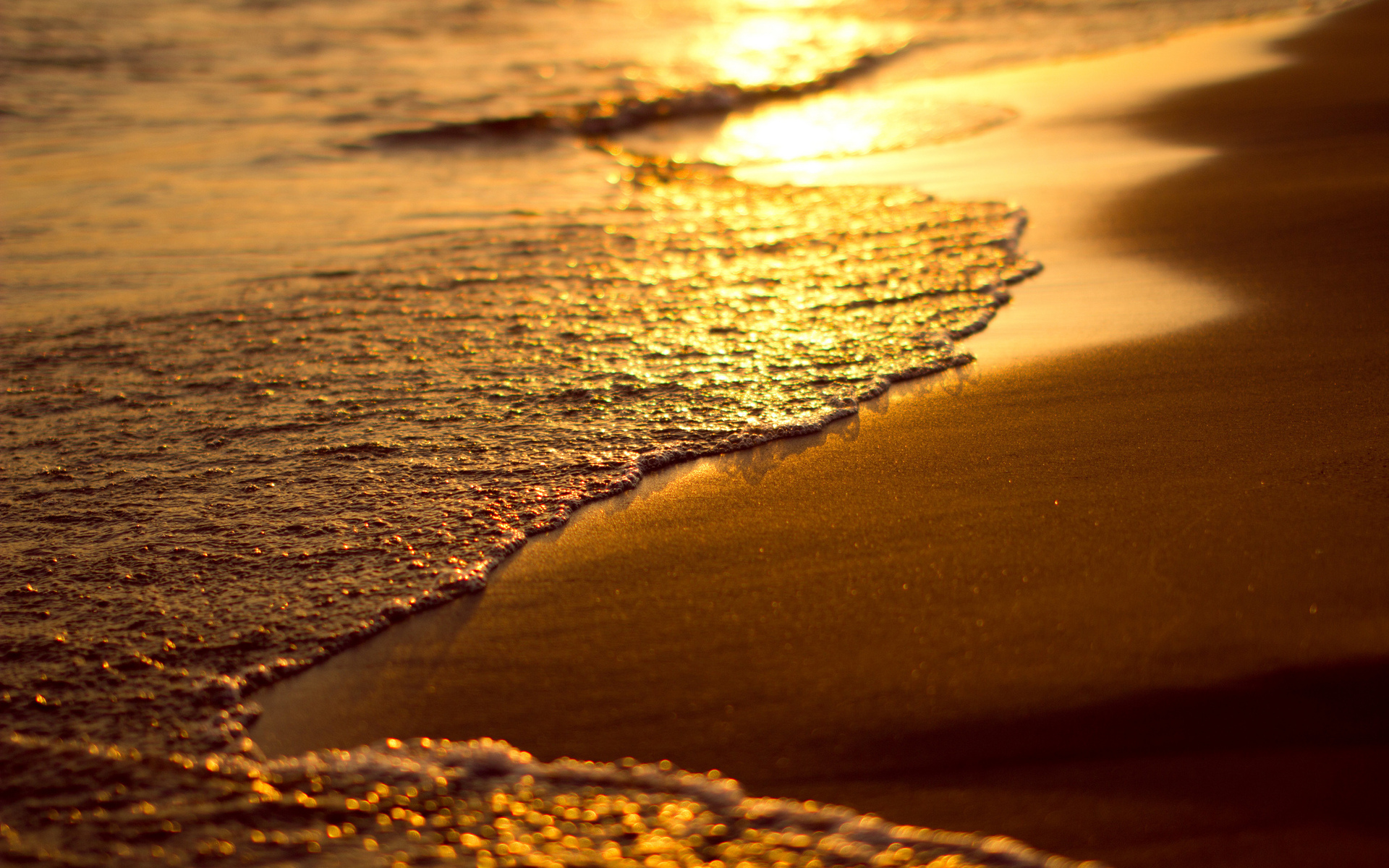 Buddha 3d Wallpaper Hd Amazing Sunset Wallpapers Waves Hd Desktop Wallpapers