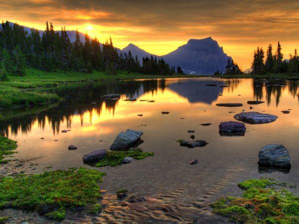 Beautiful Nature Mountain Lake