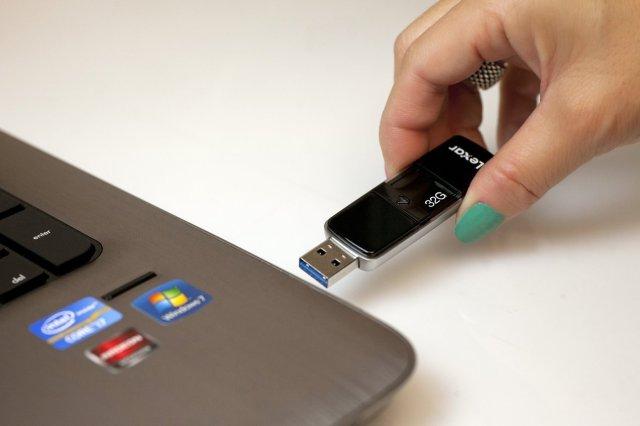 Lexar flash drive