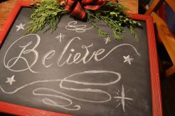 diy-christmas-chalkboard-sign-chalkboard-paint-christmas-decorations-crafts