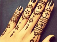 Embellished-Finger-Look-for-Teenagers mehndi designs