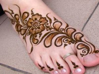 Black Floral with Leaves Mehndi Designs