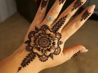 beautiful- Arabic kids-mehndi-designs