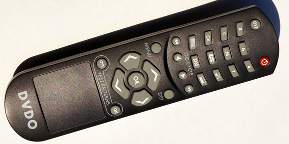 DVDO_AV_Lab_TPG_4_remote_580px