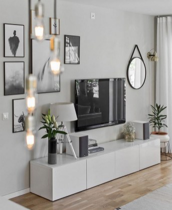 41 DIY TV Gallery Wall Inspirations & How Tos 2