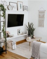 41 DIY TV Gallery Wall Inspirations & How Tos 39