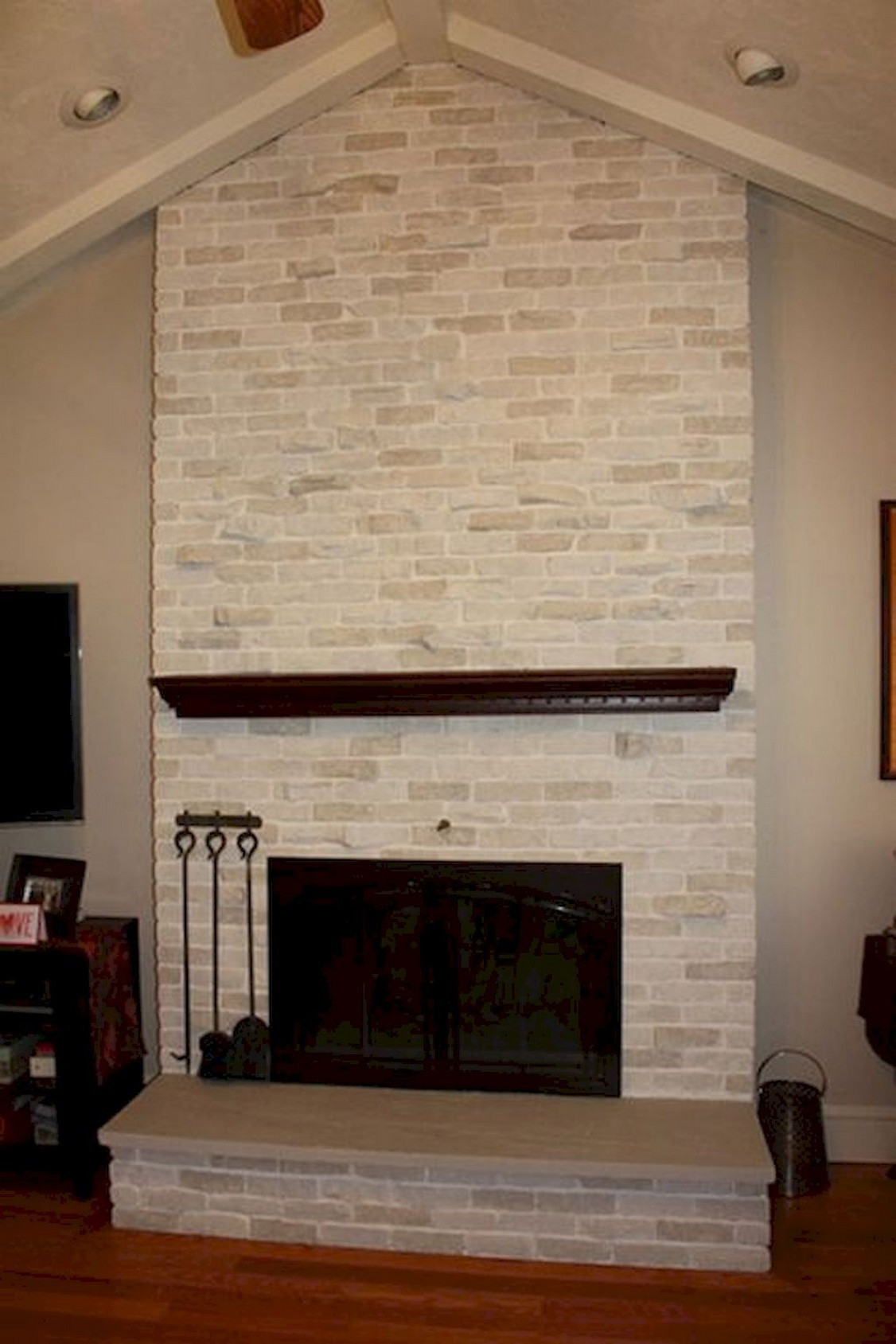 76 Stone Fireplaces The Hearth Is The Heart of The Home 43
