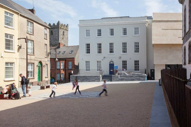 Waterford-06-Alice-Clancy-photography_2014_Cathedral-Square-after-intervention