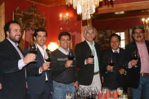 En el Hotel Vendimia de Santa Cruz autoridades y los rectores firmaron un convenio en torno al turismo
