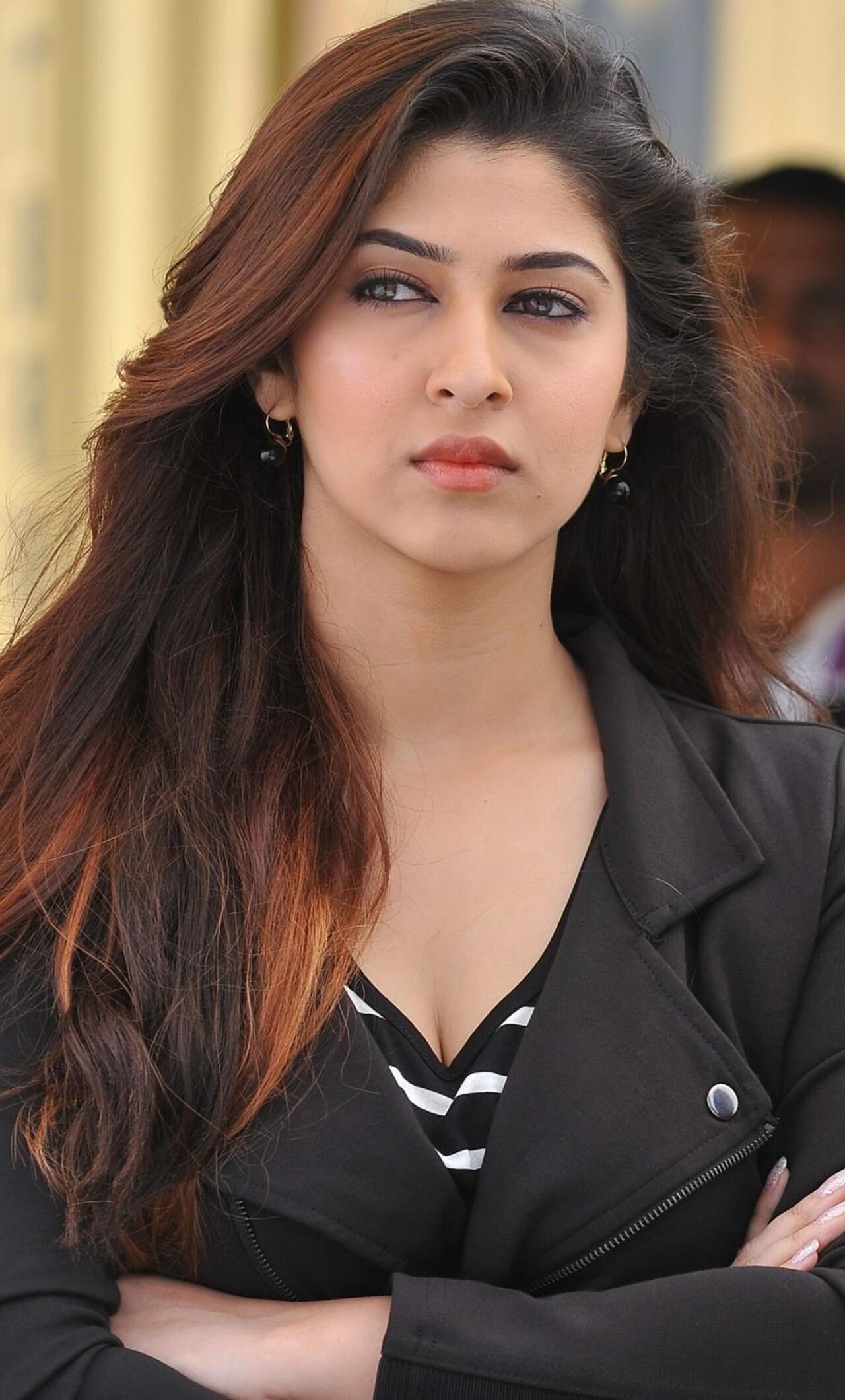 Cute Punjabi Girl Wallpaper Download 1280x2120 Sonarika Bhadoria 4 Iphone 6 Hd 4k Wallpapers