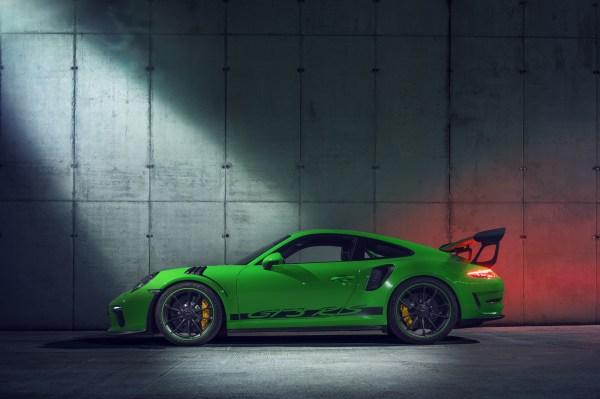Porsche 911 Gtr Side View - Year of Clean Water