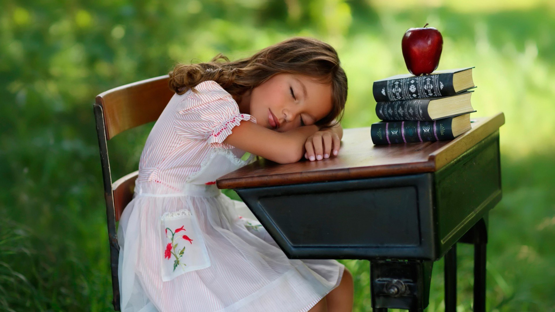 Cute Anime Girl Wallpaper Hd Download Child Sleeping On Table Hd Girls 4k Wallpapers Images