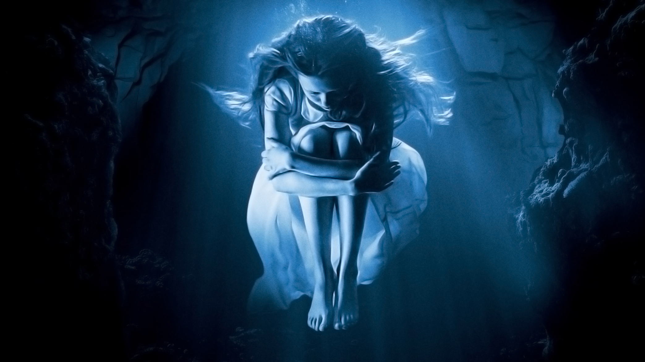 Gothic Girl Wallpaper 640x960 Cure For Wellness 2017 Movie Hd Movies 4k Wallpapers