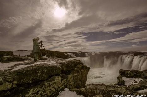 Robin Photographing Goðafoss