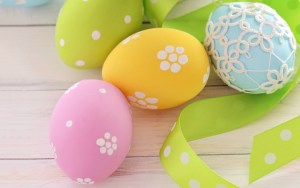 Decorated Easter eggs HD wallpaper