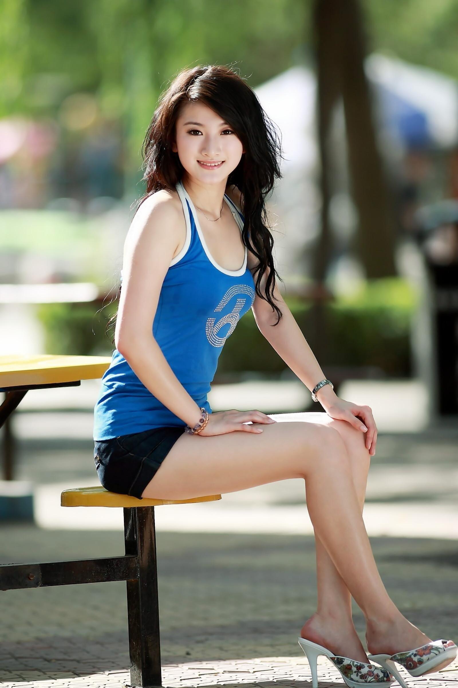 Blonde Girl Photo Wallpaper 2560x1440 Women Asian High Heels Hd Wallpapers Desktop And