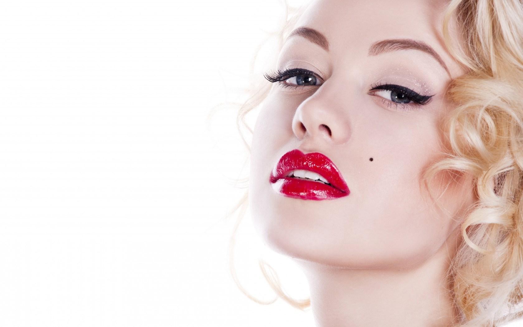 Model Makeup Wallpaper Hd 43556 1680x1050px