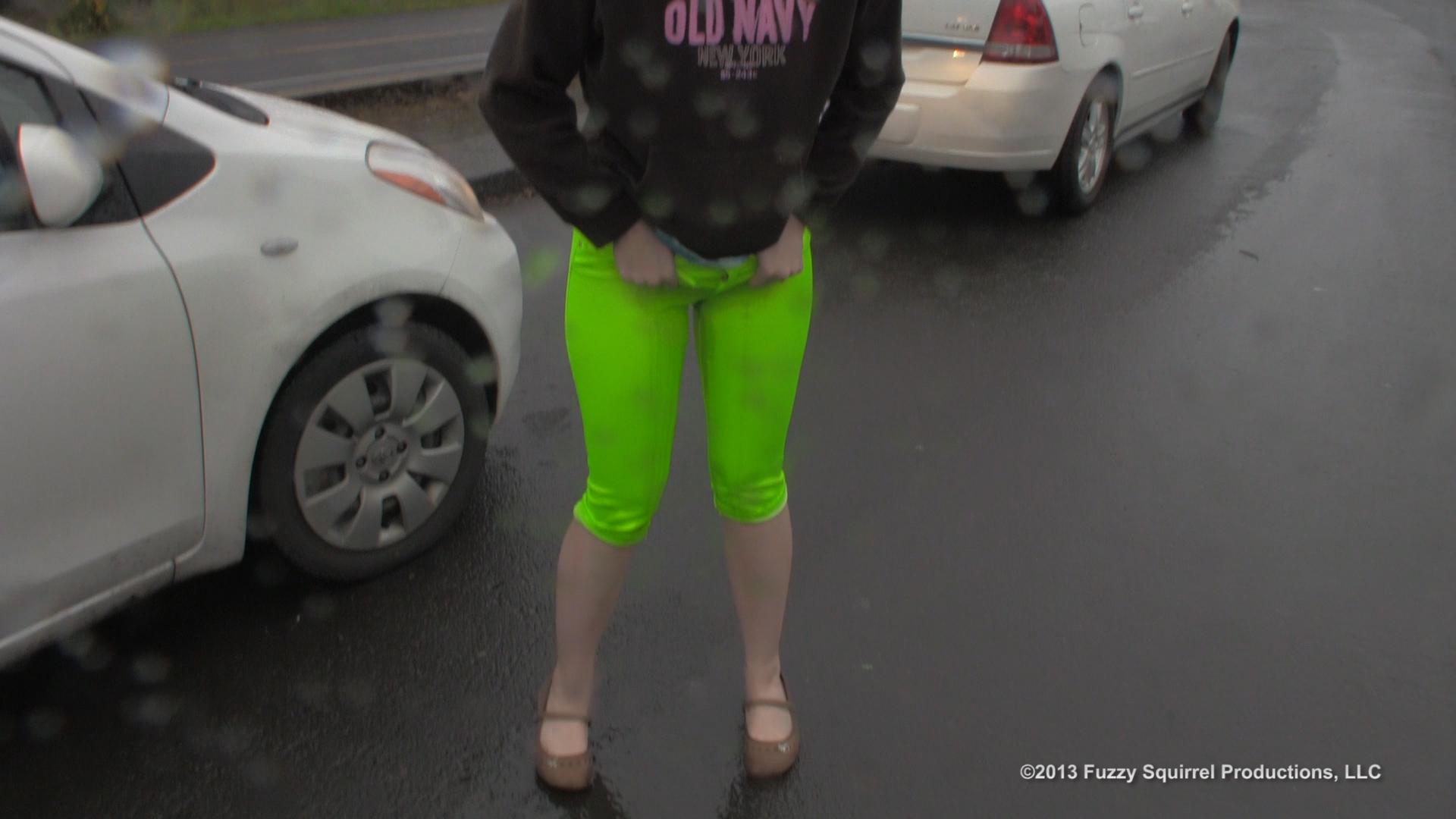 Public Pee Dare  HD Wetting
