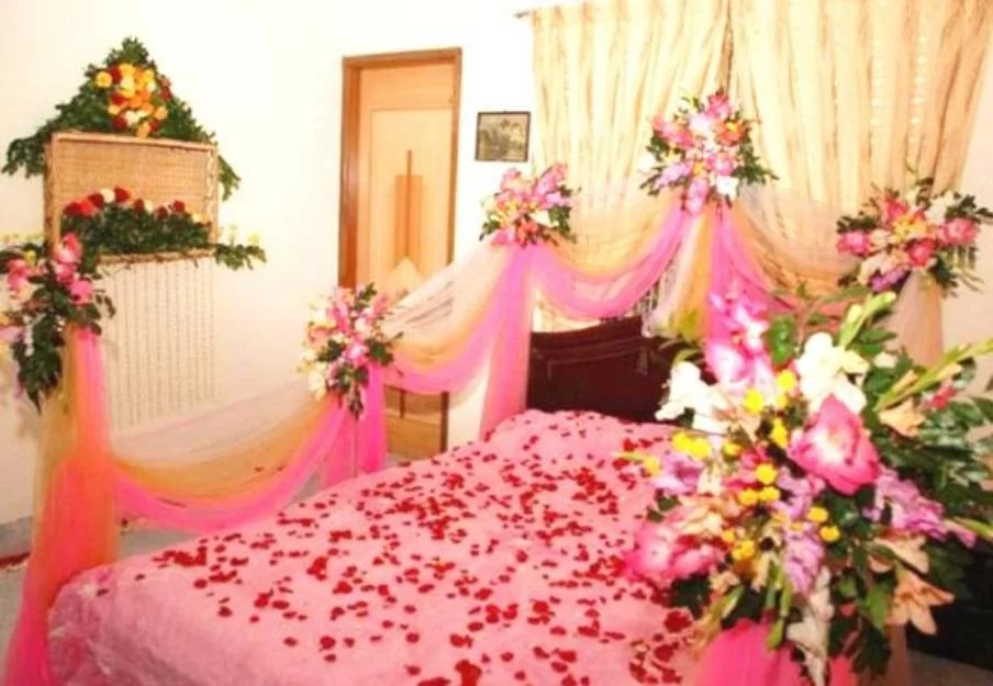 We have compiled 35 beautiful bedroom designs of houses. Wedding Room Decoration Ideas in Pakistan for Bridal